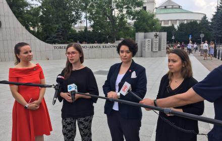 SLD, Razem i Zieloni zapowiadają projekt liberalizujący prawo aborcyjne. Chce tego 53 proc. Polaków