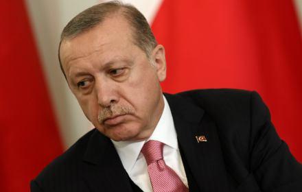 Sprawiedliwość i Rozwój przegrywa w Stambule. Dyktator Erdoğan pognębiony. Jak to się udało w Turcji