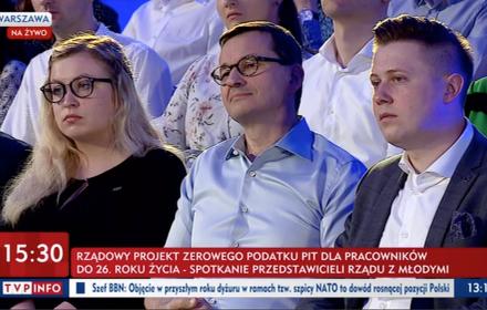 """""""Bez PIT dla Młodych"""" to nieprzemyślany prezent. Zwolnienie z podatku dla zarabiających nawet 7 tys. zł"""