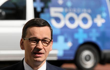 500+ to za mało. Komisja Europejska pokazuje słabość polskiej polityki społecznej