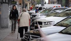 Ulica Jagiellonska , zle zaparkowane samochody