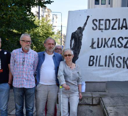 """Obrona sędziego Bilińskiego. """"Jest Pan wzorem dla wielu. Nie tylko dla sędziów"""""""
