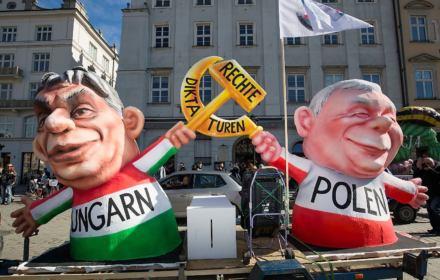 Wyszehrad po eurowyborach. Rządzący populiści górują u siebie, dołują w Unii