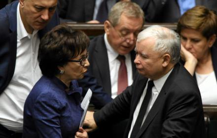 Ustawa dyscyplinująca głosami PiS idzie do komisji. Relacjonujemy obrady Sejmu wydarzenie po wydarzeniu
