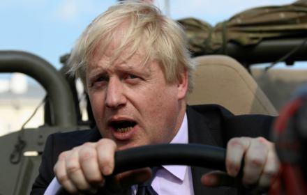 Boris Johnson zawiesza parlament