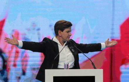 Beata Szydło latała rządowymi samolotami do domu i na wakacje w Juracie
