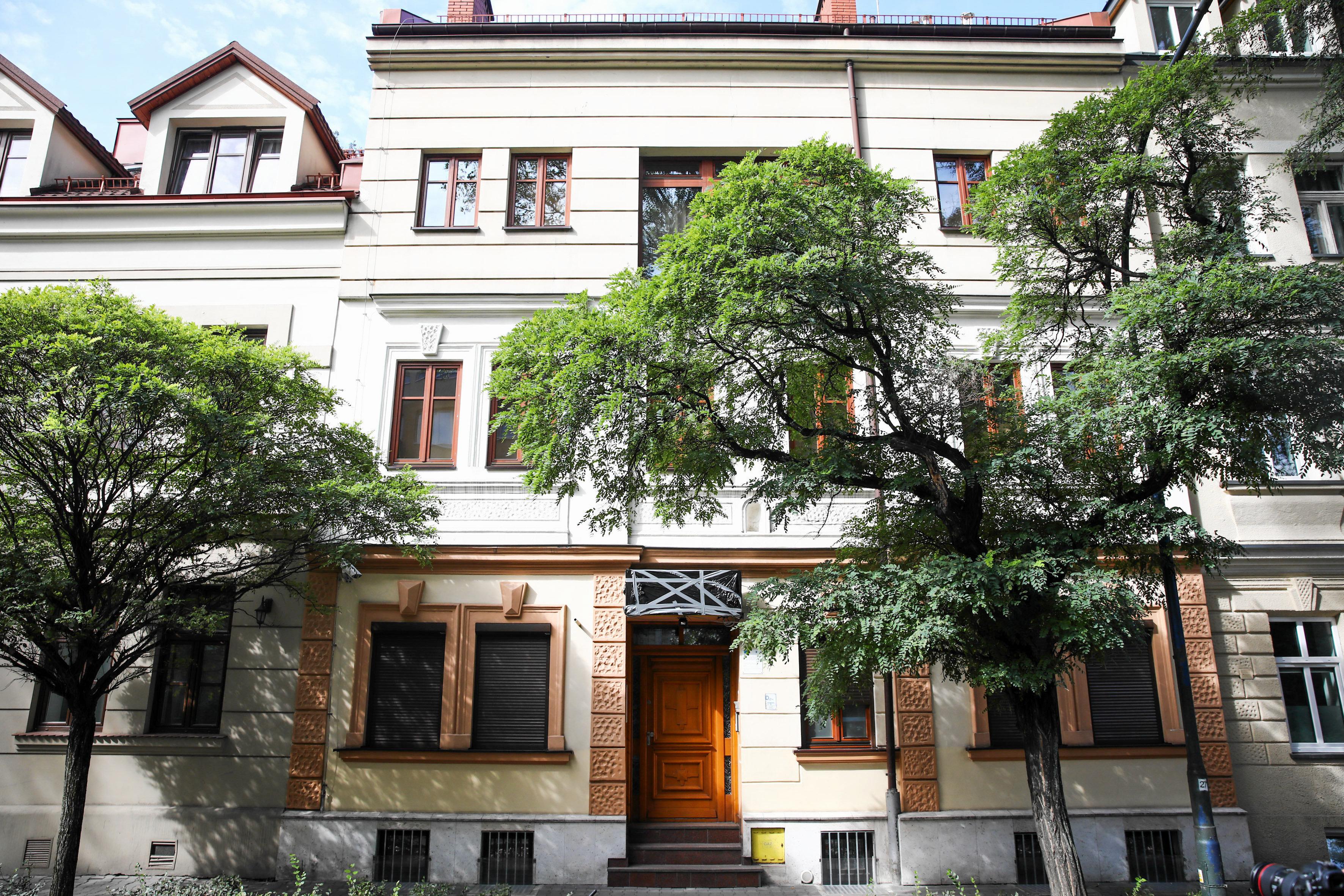 Kamienica przy ul. Krasickiego, w której działał hotel z pokojami na godziny.