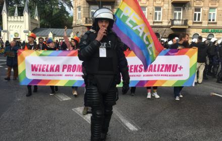 Atak na uczestników II Marszu Równości w Lublinie. Pięścią w twarz dziennikarza OKO.press [relacja]