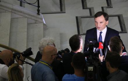 Sędziowie z Warszawy mówią dość. Chcą odsunięcia rzeczników dyscyplinarnych Ziobry, Piebiaka i prezesa Drajewicza