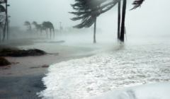 hurricane-making-landfall-at-key-west