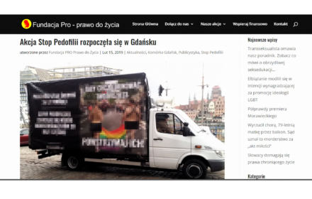 """Sąd nakazał Fundacji """"PRO-Prawo do życia"""" usunięcie homofobicznych furgonetek i plakatów w całym kraju"""
