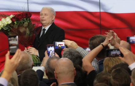 Pan minister się zaplątał: definicja demokracji wg Szczerskiego uderza w Lecha Kaczyńskiego