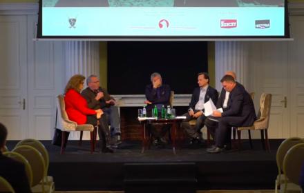 """Ziobro daje pieniądze na konferencję o """"walce z polonofobią"""". Wśród gości autorka antysemickich publikacji"""