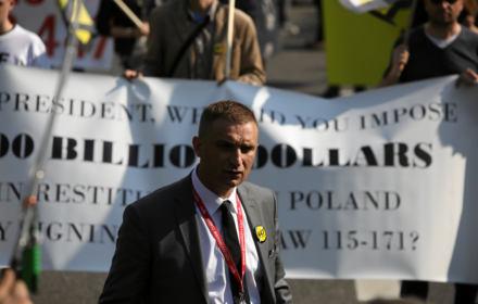 """""""Polska nic nie jest winna Żydom"""". Po co skrajnej prawicy zbiórka podpisów """"Stop 447"""""""