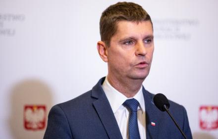 Minister Edukacji Dariusz Piontkowski ogłosił nowe daty egzaminów w szkołach