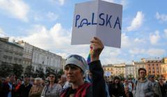 Protest poparcia w Krakowie dla protestujacych w sejmie niepelnosprawnych