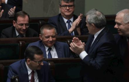 """Przełom w """"republice banasiowej"""". Jarosław Kaczyński tupnął nogą. Oczekuje dymisji prezesa NIK"""