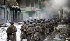 Armia Czerwona na ulicach Piły, luty 1945 r,
