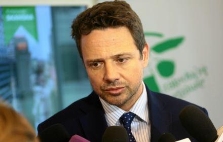 """Trzaskowski: """"Podwyżki opłat za wywóz śmieci to wina PiS"""". Niestety, nie tylko"""