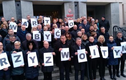 Sędziowie z Olsztyna: Żądamy przywrócenia do pracy sędziego Juszczyszyna i powołania niezależnego TK i KRS