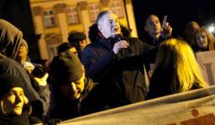 Frasyniuk - protest w obronie sadow