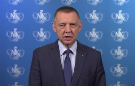 Marian coraz bardziej pancerny, Kaczyński - coraz bardziej bezradny. Banaś nie poda się do dymisji