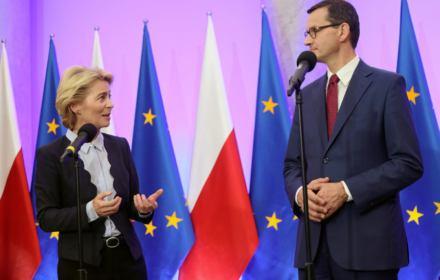 1:26. Morawiecki jako Czarny Piotruś klimatycznego szczytu UE. A i tak posłuchamy Komisji Europejskiej