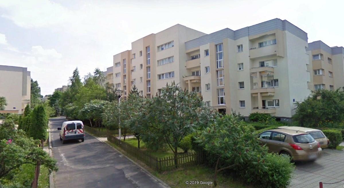 Blok, w którym mieści się mokotowskie mieszkanie żony Michalkiewicza. Fot. Google Earth