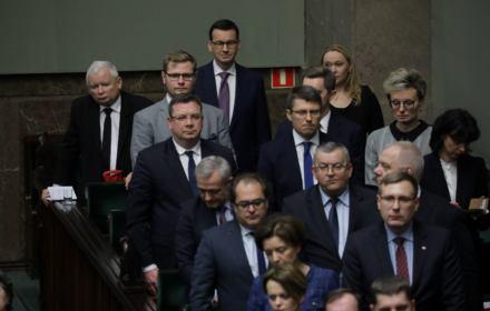 """PILNE. Sejm przegłosował ustawę dyscyplinującą. """"Uchwalamy polskie prawo!"""""""
