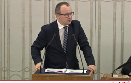 """Adam Bodnar w Senacie wzywa do odrzucenia ustawy """"dyscyplinującej"""": """"To droga do Polexitu"""""""