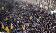 Demonstracja w Iranie po śmierci Kassema Sulejmaniego