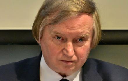 Prof. Piotrowski: Fikcyjny TK rozstrzyga fikcyjny spór, kreując fikcyjną podstawę wydania postanowienia
