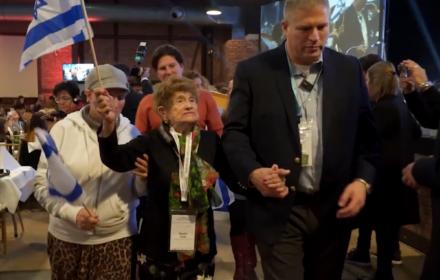 Tego nie zobaczysz w TV. Rachela Roth śpiewa w Auschwitz pieśń nadziei, hymn Izraela