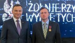 Prezydent Andrzej Duda i dr Mariusz Bechta z IPN