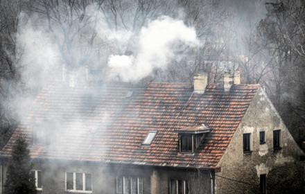 Spalamy 87 proc. węgla, którym ogrzewają domy Europejczycy. Potrzeba 558 mld do 2030 by to zmienić
