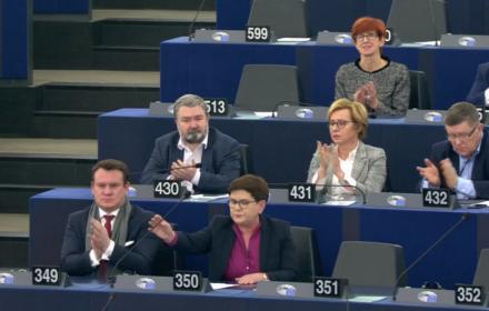 """""""Nigdy rząd żadnego państwa UE nie miał takiej władzy nad sądownictwem"""". PiS samotny w Europarlamencie"""