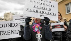Protest pracownikow sadow i prokuratury w Lublinie