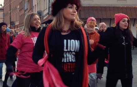 Tłumy z całego świata tańczą przeciw przemocy wobec kobiet – Polki również