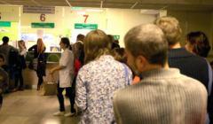 Kolejki do rejestracji w Dzieciecym Szpitalu Klinicznym w Lublinie