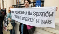 Protest w obronie sędziów