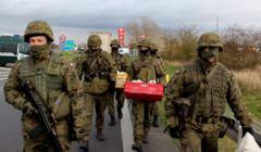 Żołnierze 12 dwyizji na przejściu w Kołbaskowie