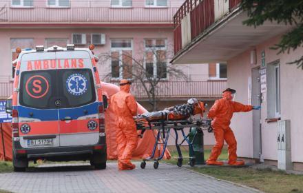 Zgony z powodu koronawirusa - władze nie informują o wszystkich przypadkach