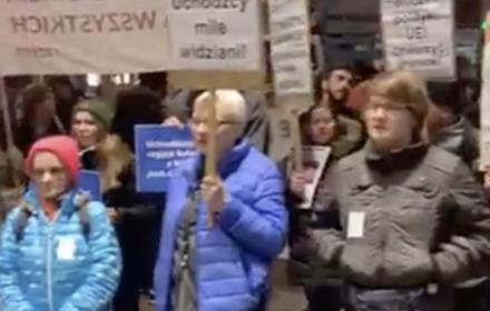 """Przeciwko """"nieludzkiej"""" polityce wobec uchodźców – protest przed siedzibą Komisji Europejskiej"""