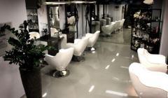 Fryzjer - salon bez klientów