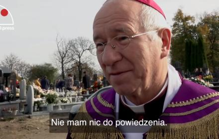 W epidemii Kościół sięga po pensje katechetów. Bp Dziuba żąda karnych odsetek. Księża się buntują