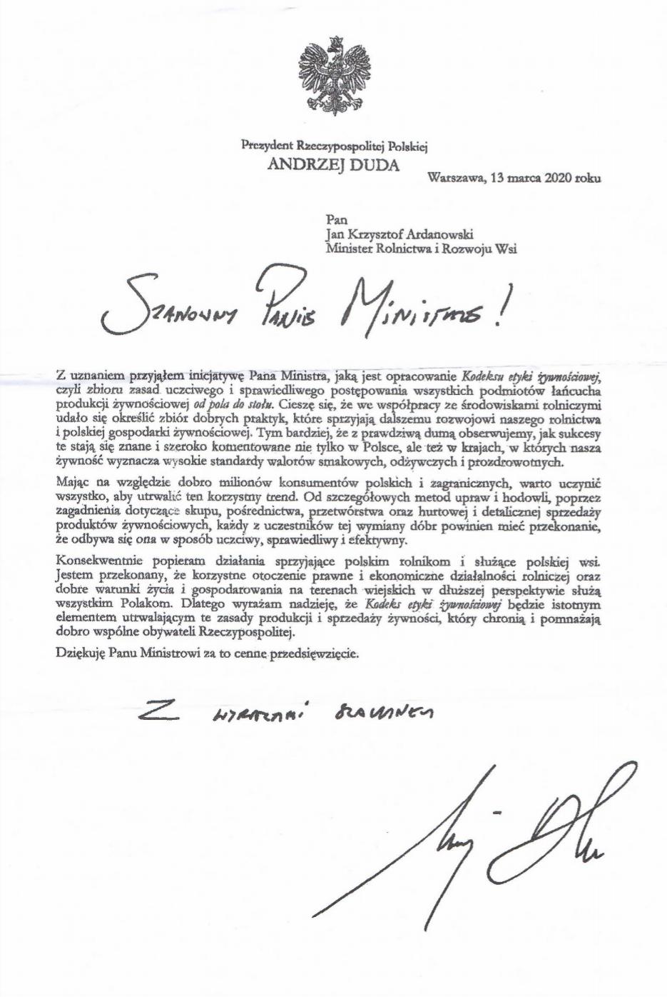KRUS wraz z powiadomieniem o umorzeniu składek wysłał rolnikom list Andrzeja Dudy, w którym zapewnia, że leży mu na sercu dobro wsi i rolników.