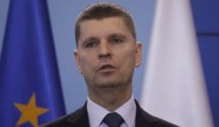 Minister Edukacji Dariusz Piontkowski - matury przełożone, podobnie jak egzamin ósmoklasisty