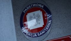 Logo Sanepidu - Sanepid twierdzi, że kierowca ciężarówki z COVID-19 to nie ich sprawa