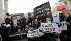 edukacja seksualna - protesty przeciwko
