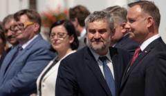 Minister rolnictwa Jan Krzysztof Ardanowski odpowiedział OKO.press na pytania związane z wysyłką przez KRUS listu Andrzeja Dudy do ok. 1,3 mln ubezpieczonych rolników i ich rodzin.